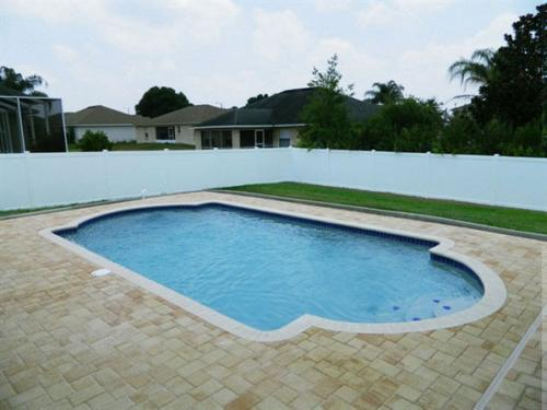 Beautify_your_Backyard_with_a_Pool